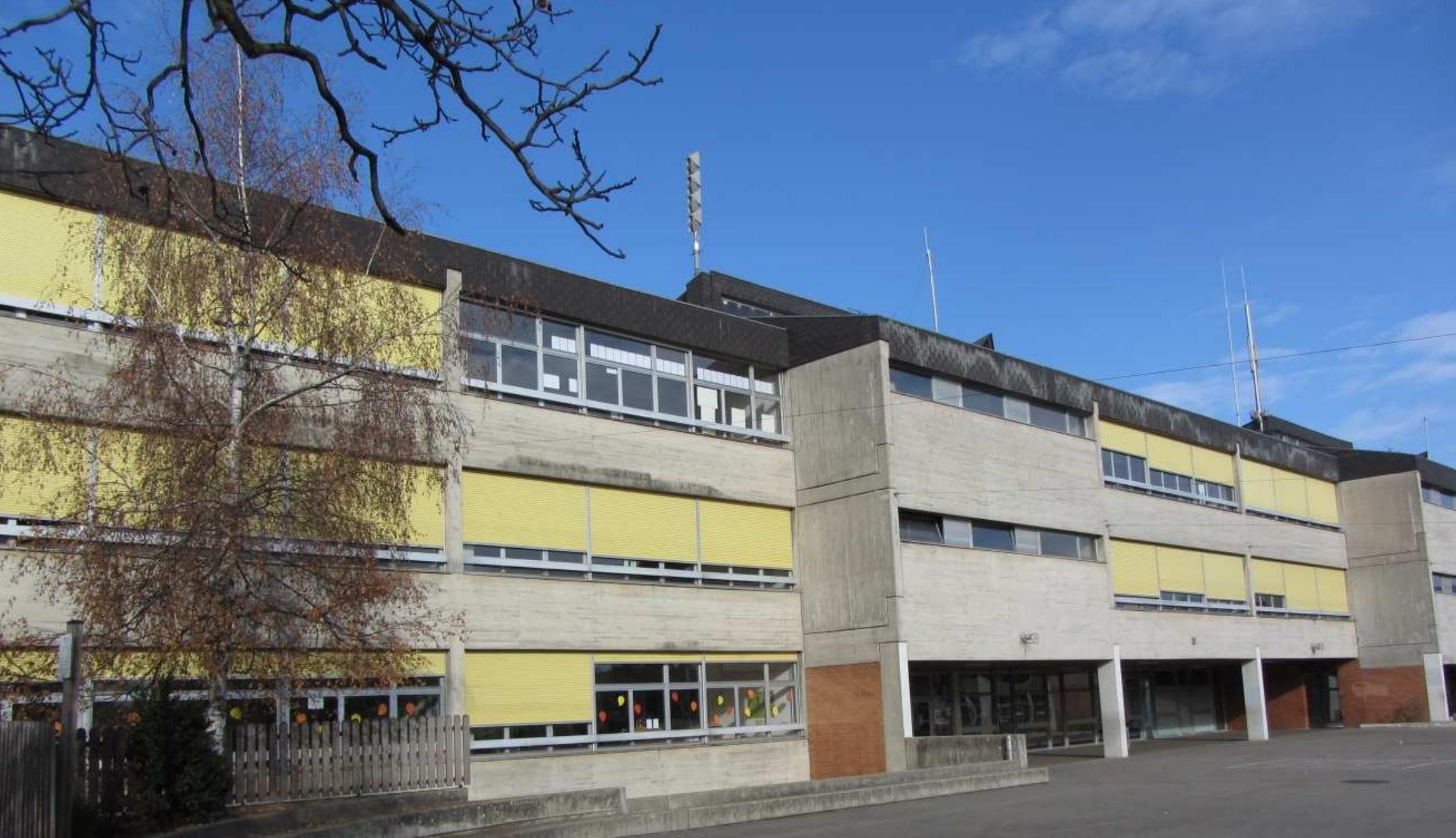 photographie de l'école des Ranches qui se situe à Vernier-Village